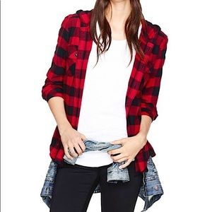 Aritzia TNA Plaid Brewster Hooded Flannel Red/Blk